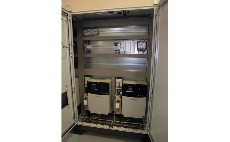 Robot control cabinet