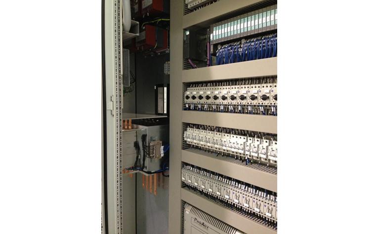 Power cabinet